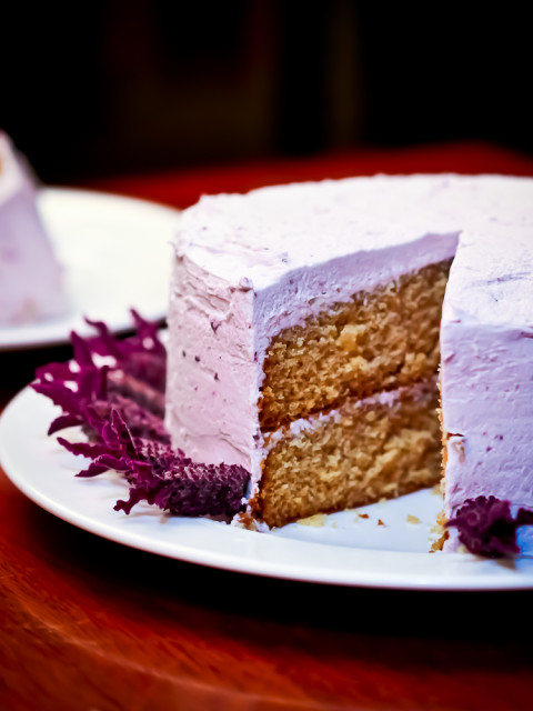 vanilla cake, with blueberry/lavender mascarpone